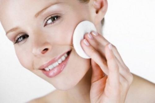Тонизирование кожи лица.